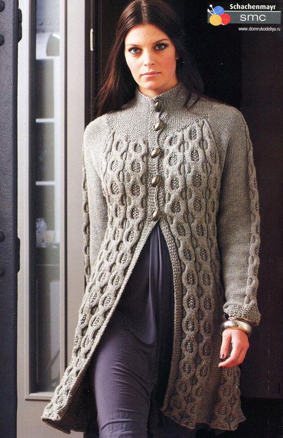 Женское пальто вязаное спицами