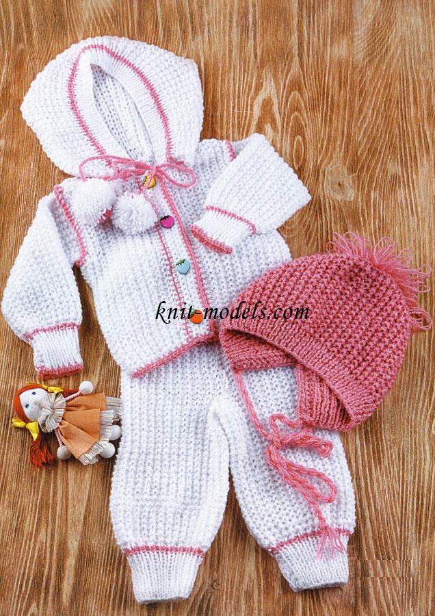 Вязанные спицами комплекты для новорожденных